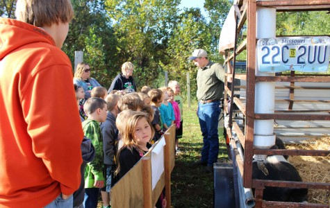 FFA members demonstrate agricultural products at Food for America