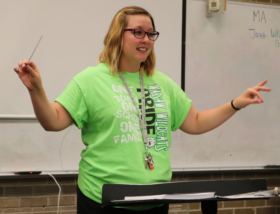 New+band+director+Brandi+Holt+conducts+for+jazz+band.+She+currently+teaches+jazz+band%2C+concert+band%2C+marching+band%2C+and+music+appreciation.