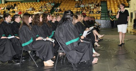 Class of 2017 holds religious service