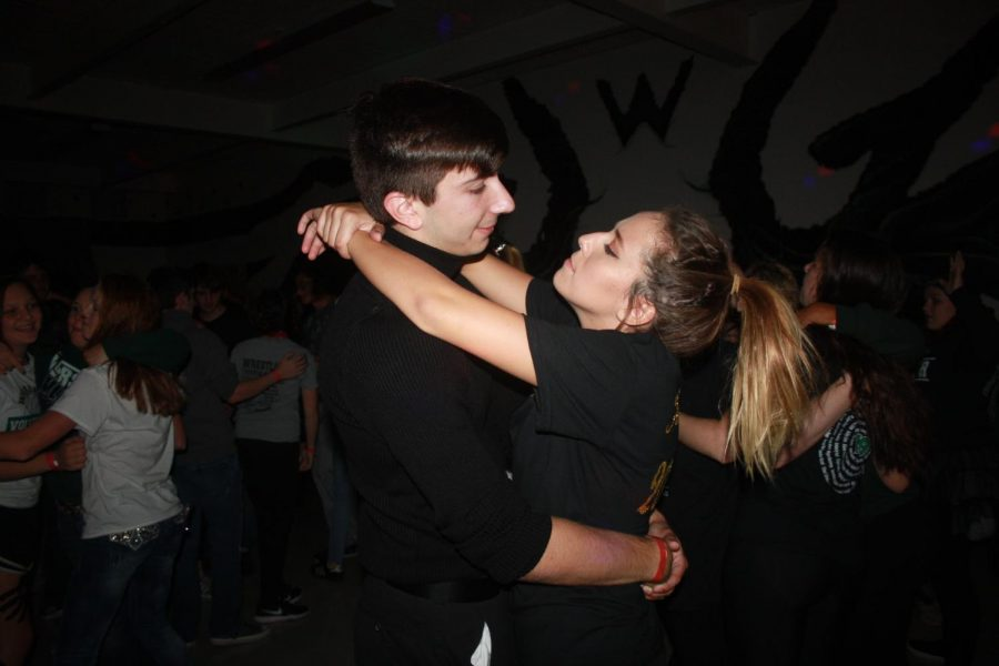 Seniors Joey Mace and Rylee Pals slow dance at Homecoming. Both were king and queen candidates for Homecoming coronation.