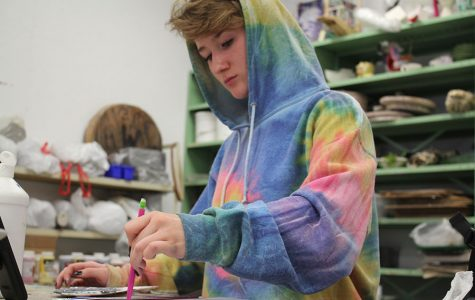Senior finds joy through self expression in visual art