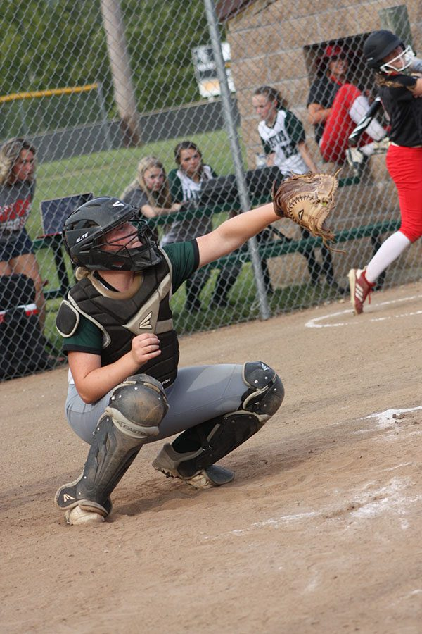 Senior+catcher+Reagan+Shelby+prepares+to+catch+the+ball+at+the+softball+game+against+the+Buffalo+Bison+on+Sept.+12.+The+LadyCats+defeated+the+Bison+16-4.